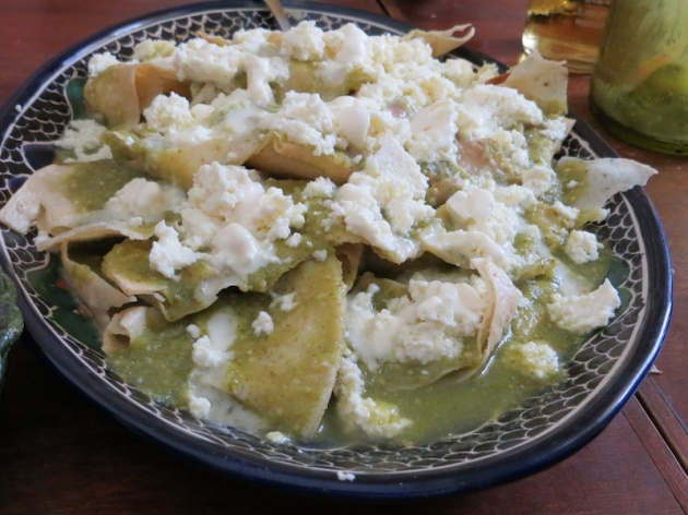 chilaquiles made by oscar carrizosa : chilaquiles verdes hecho por oscar carrizosa