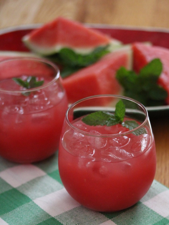 watermelon drink: watermelon agua fresca