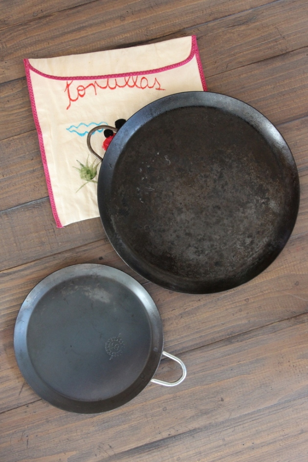 2-cast-iron-comal