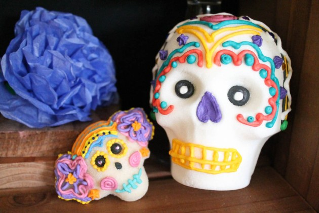 dia-de-los-muertos-sugar-skull-painting-party-30-1024x683