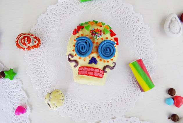 sugar-skulls-live-colorful